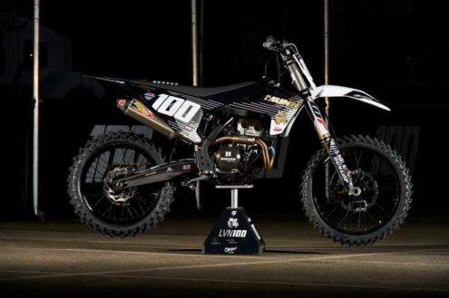 AMA Supercross – Pro bikes!