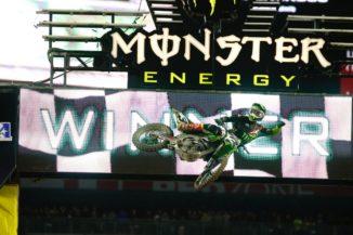 Eli Tomac unstoppable at Phoenix supercross