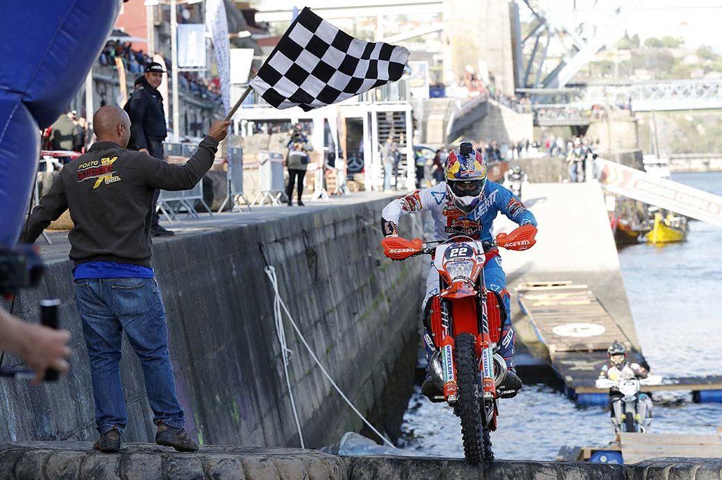 Jonny Walker takes Extreme XL Lagares Prologue win