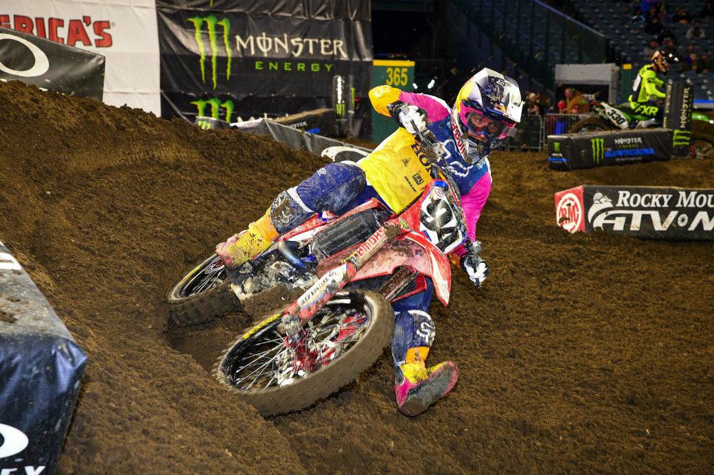 Ken Roczen back in Supercross action