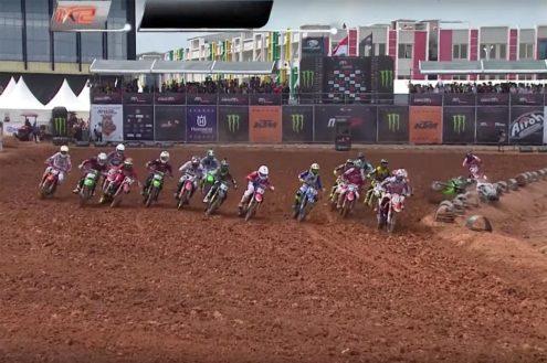 Evans and Harrison crash – MXGP of Indonesia
