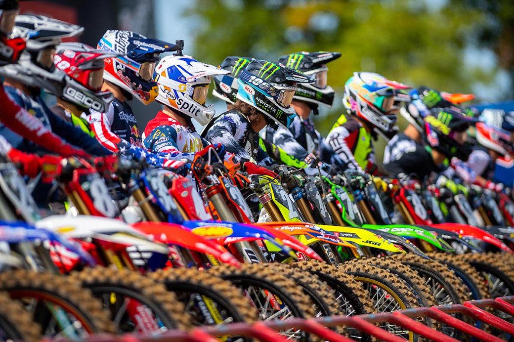 pro-motocross-01-gate-start-2020-m01